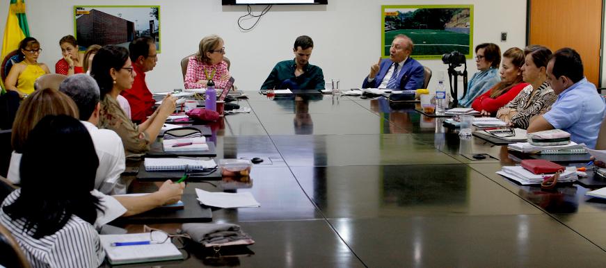 Alcalde puso la lupa a proyectos de infraestructura    EL FRENTE