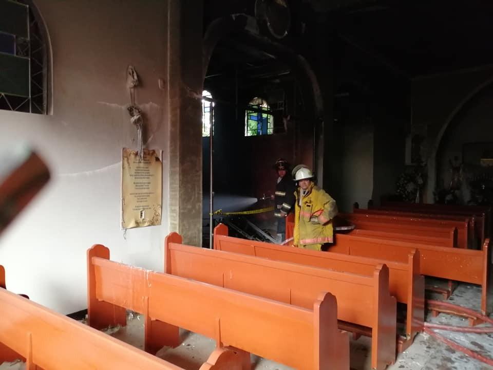 Incendio afectó elementos religiosos en la capilla de los Nazarenos en Piedecuesta  | Piedecuesta | Metro | EL FRENTE