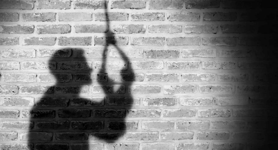 Encuentran anciano colgado de una corbata en estado de descomposición | Justicia | EL FRENTE