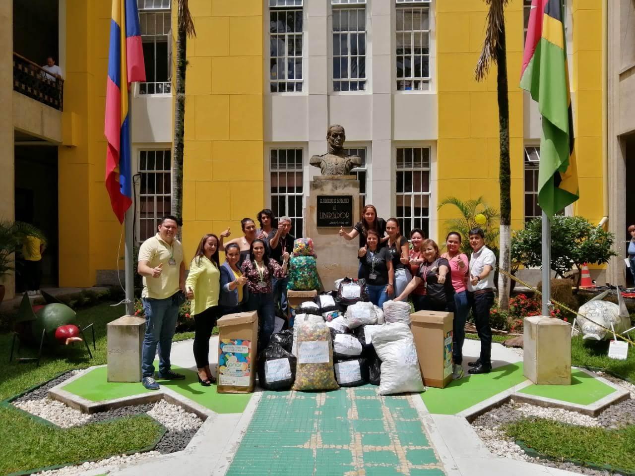 Dona Tapitas, Regala Sonrisas para los niños con cáncer en Santander   Región   Santander   EL FRENTE