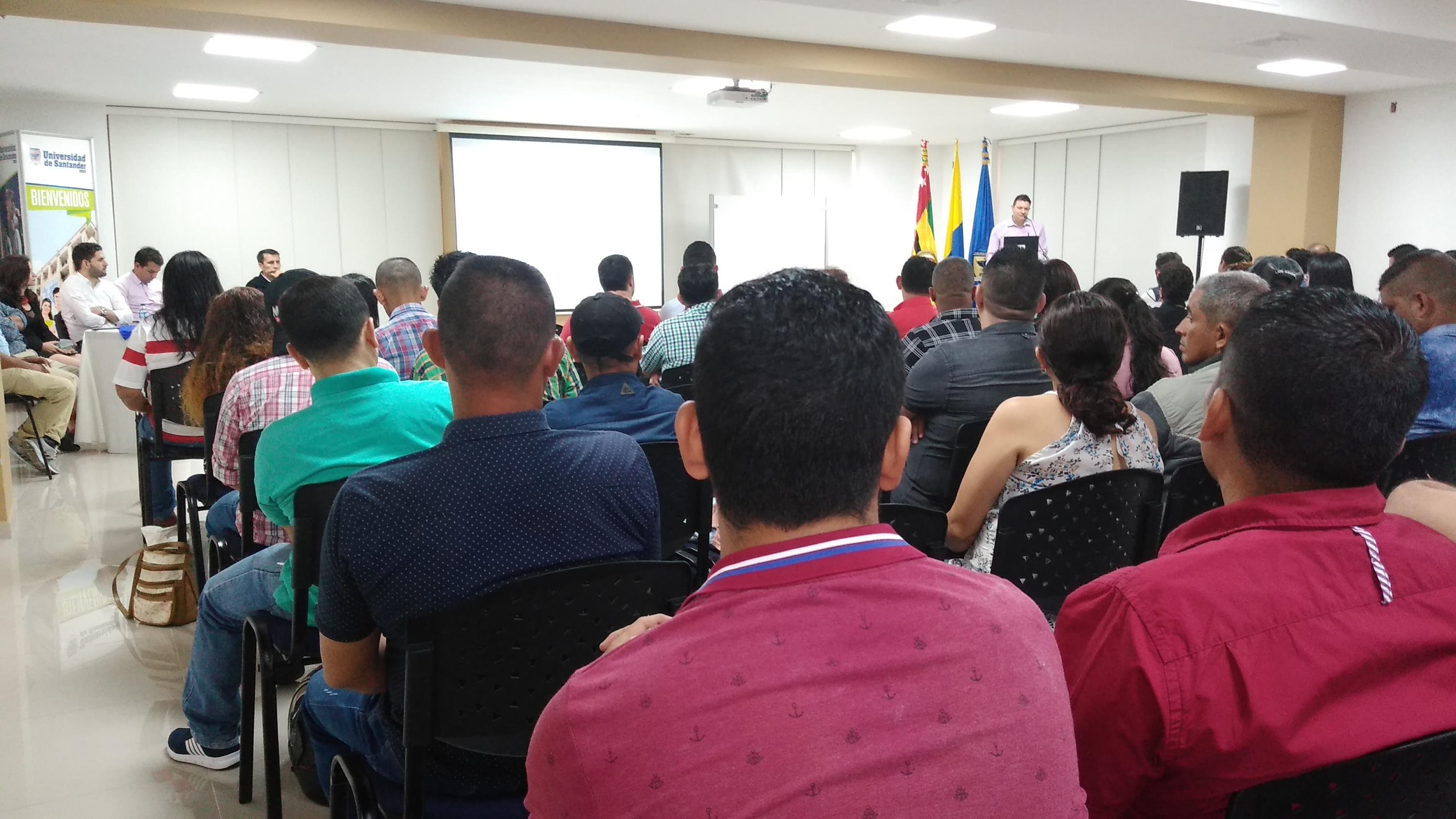 Exintegrantes de Farc-Ep y Auc, unidos por la educación. Celebración de final de curso en Santander   EL FRENTE