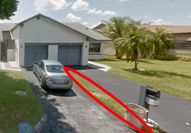 Compró una casa por Internet y le dieron un pedazo de césped | EL FRENTE