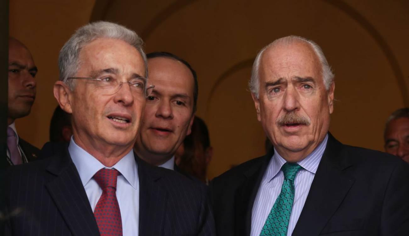 Uribe y Pastrana citados a declarar contra Santos | EL FRENTE