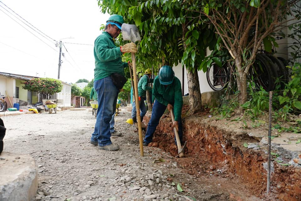 Se reanudaron los trabajos para concluir las obras. Barrio Benjamín Herrera tendrá su pavimentación  | EL FRENTE