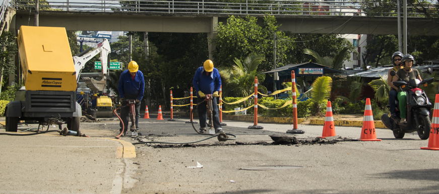 Se destinarán $12 mil 594 millones para tapar los huecos en Bucaramanga | Metro | EL FRENTE
