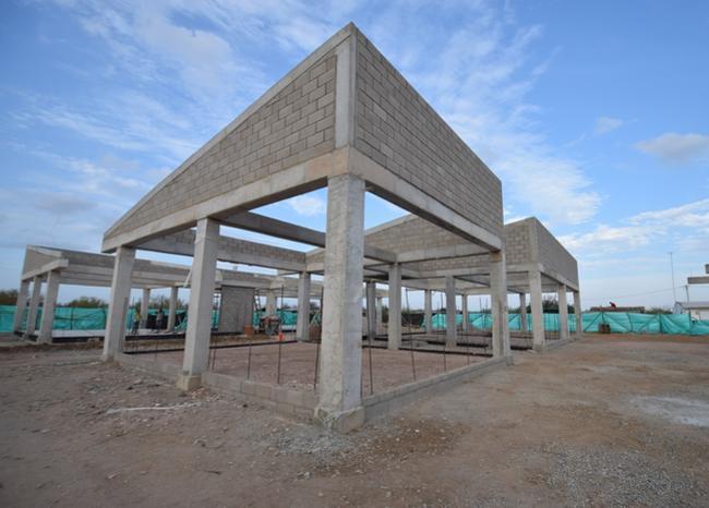 Piden a contratistas terminación de proyectos en Santander. Incumplimiento de obras en 22 colegios | Santander | EL FRENTE