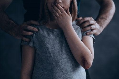 Abusó de su hermana menor de 12 años  | EL FRENTE