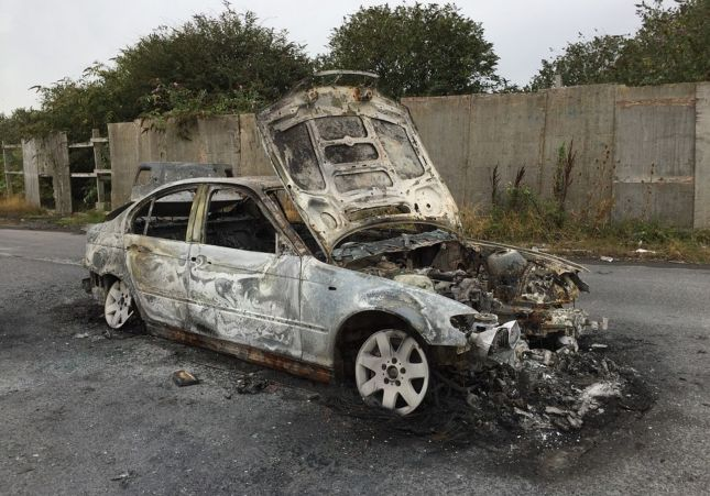 Pensó que era su novio y quemó vivo a un joven que dormía en su auto | EL FRENTE