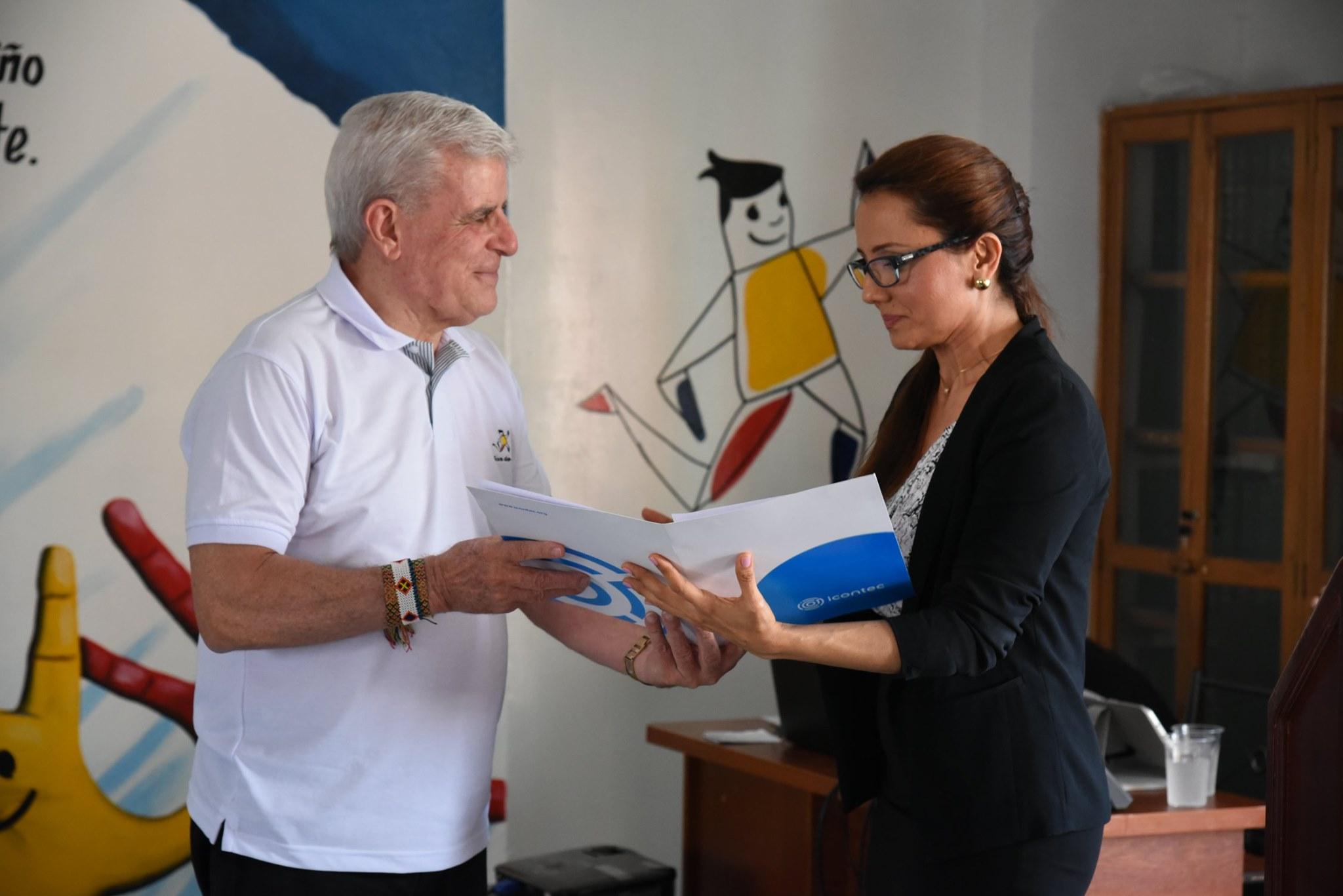 Asociación Niños de Papel recibió certificación de calidad ISO | Especiales | Variedades | EL FRENTE