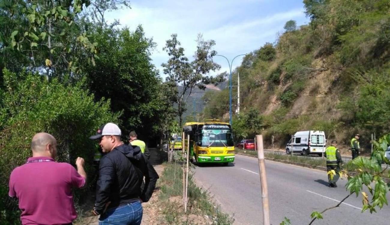 Asalto a mano armada a pasajeros de bus que cubría ruta Girón - Cabecera | EL FRENTE