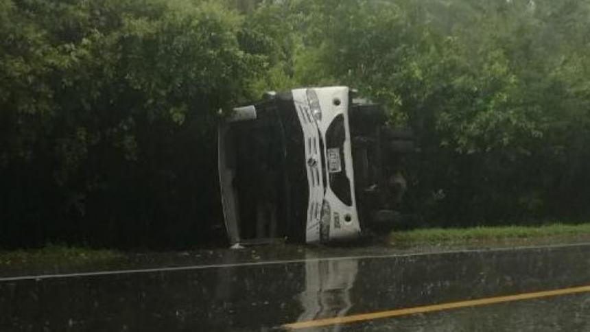 Bus que transportaba equipo de fútbol se accidenta en Cesar | Nacional | Justicia | EL FRENTE