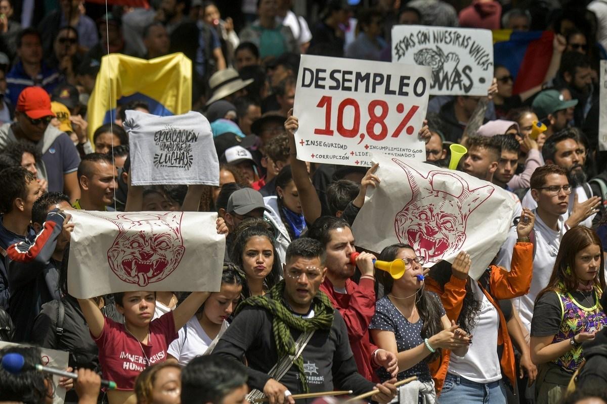 """Gobierno presentó la empresa más grande del Estado. """"Grupo Bicentenario"""" el Holding Financiero   EL FRENTE"""