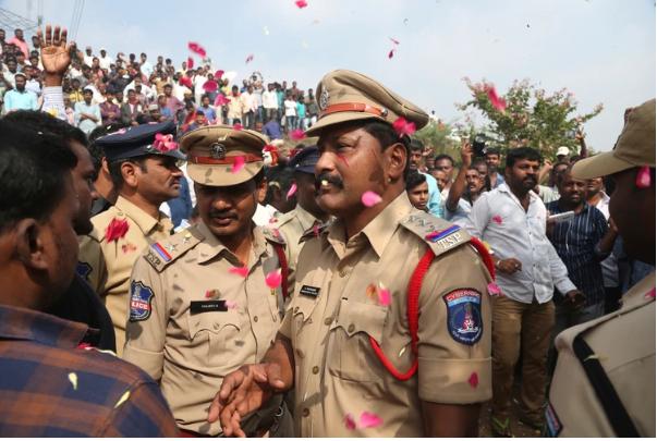 Policías mataron a supuestos violadores en el lugar donde fue encontrado el cuerpo de la víctima | foto | EL FRENTE