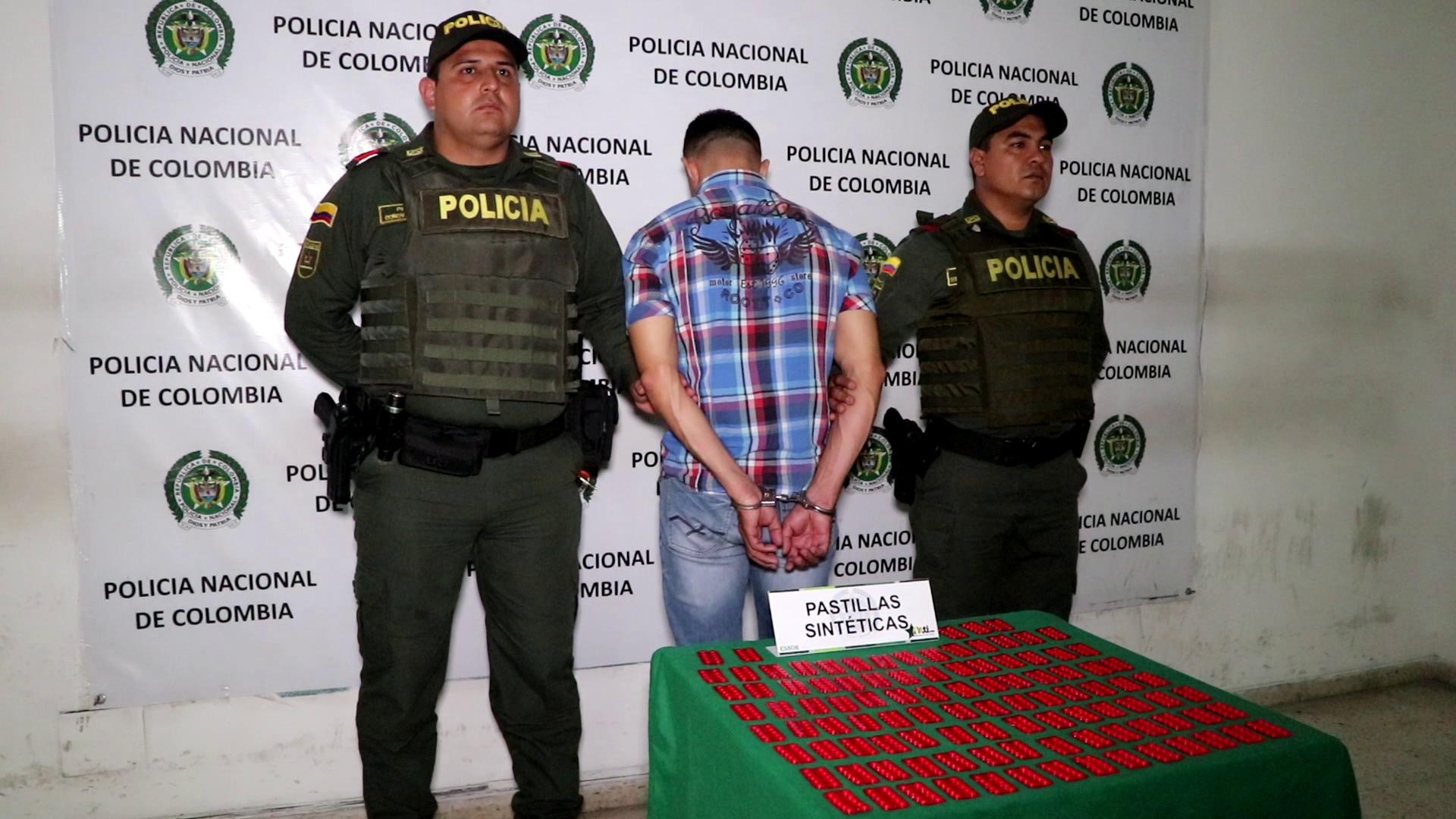 Capturan hombre con mil pastillas alucinógenas | EL FRENTE