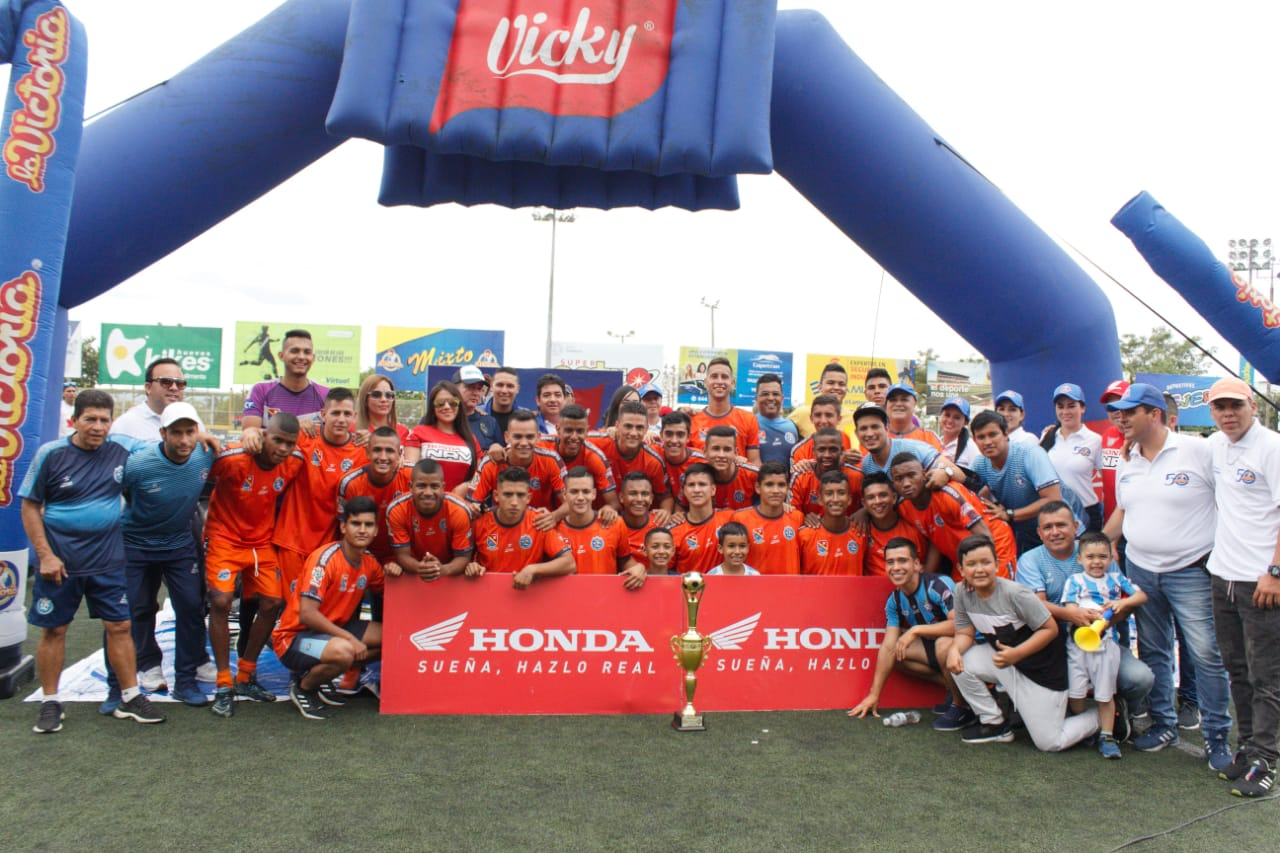 Primer título para Real Santander en Torneo de la Cancha Marte | Local | Deportes | EL FRENTE