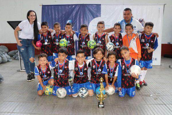 Campeones del minifútbol recibieron sus premios | Local | Deportes | EL FRENTE