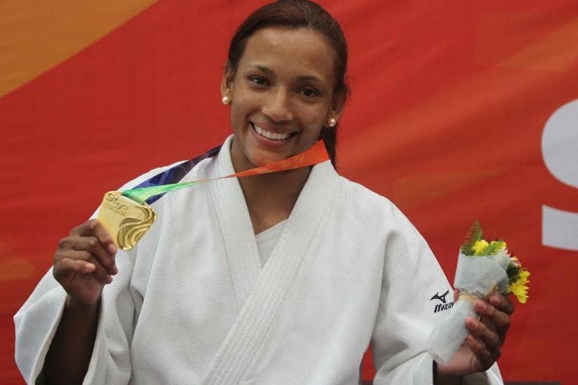 ODEPA otorga medalla de plata a Yadinys Amaris | Local | Deportes | EL FRENTE