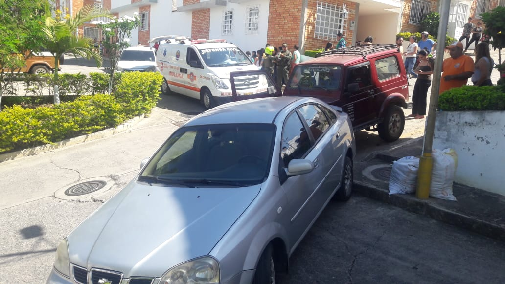 Un carro rodó y dejó a un menor herido  | Local | Justicia | EL FRENTE