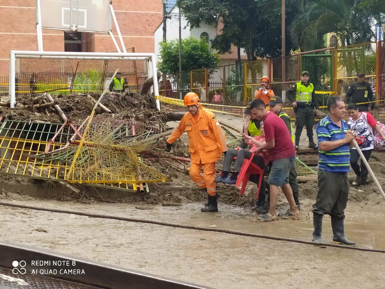 Destinan recursos para ayudar a 130 familias afectadas en Floridablanca | Metro | EL FRENTE