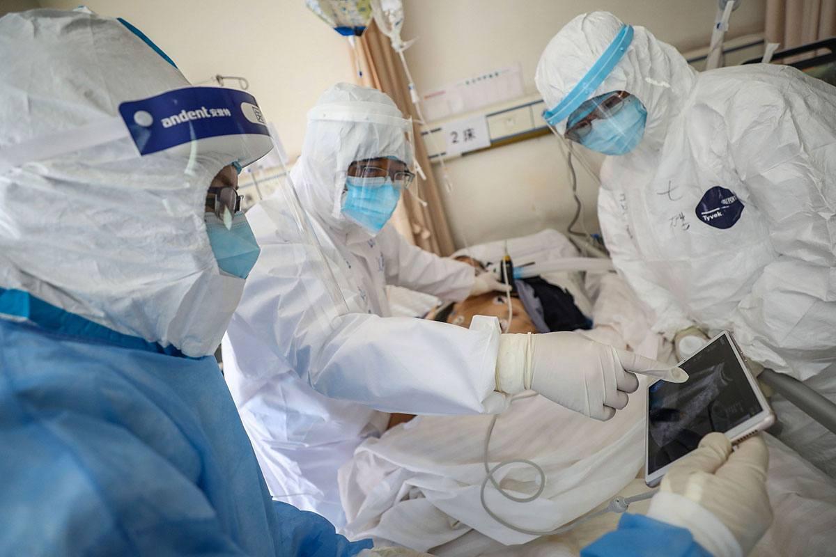 Aplazó su boda para ayudar a infectados y murió por COVID-19 | foto | EL FRENTE
